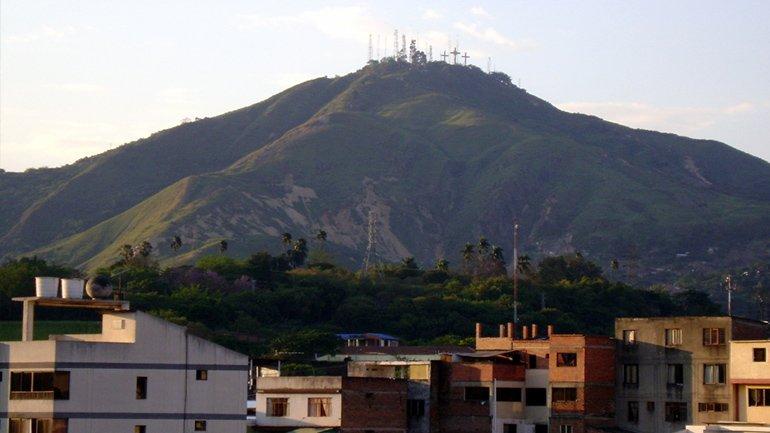 Cerro de las tres cruses Cali Colombia