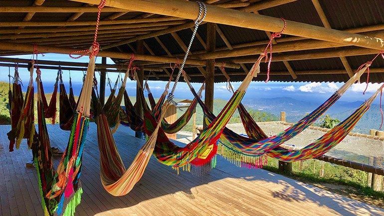 overnachten slapen hangmat casa elemento minca colombia